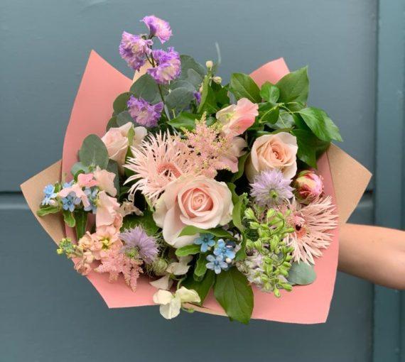 stunning seasonal blooms, delivery, Kent